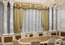 статичная французская штора из белой немецкой вуали в административное помещение.