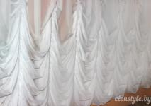 густые дарапировки низа австрийских штор. шторы пошита из немецкой вуали белого цвета.