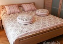 декоративное покрывало и подушки для детской комнаты
