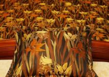декоративная подушка-пельмешка из итальянско парчи.