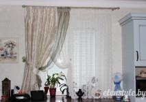 короткие шторки для кухонного окна.