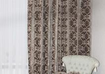 вид изделия из бархата с ковровым рисунком в изделии.