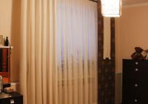хлопковая портьера на люверсах и декоративная ламель из испанских тканей