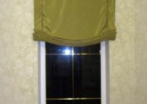 короткая штора на узкое окно