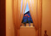 шторы с нахлестом для коридора
