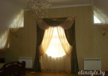 стандартный комплект из порьер с ламбрекеном на окне сложной формы
